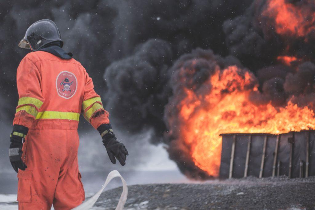 Klapy dymowe — użyteczność nie tylko podczas pożaru